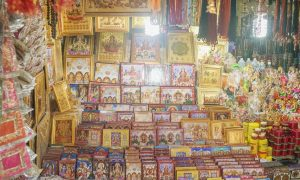 Mumbai: Mahalakshmi Temple & Shree Swaminarayan Gadi Temple