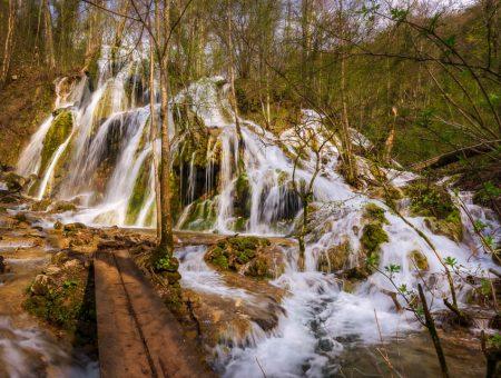 From Sasca Română to Beușnița Waterfall Hike
